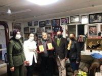 Çeşme AK Parti'den Öğretmenler Günü mesajı ve ziyaretleri