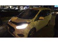 Anayolu koşarak geçmeye çalışan kadına araç çarptı: 1 ölü