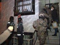 İstanbul'da uyuşturucu tacirlerine şafak operasyonu