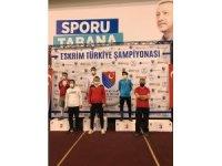 Eskrim Türkiye Şampiyonasında Erzurum'a altın ve bronz madalya