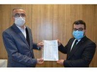 AK Parti Batman İl Başkanı Gür, mazbatasını aldı