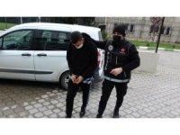 İzmir'den Samsun'a getirilen uyuşturucu haplarla yakalandılar