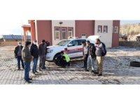 Erzincan'da jandarma ekipleri, kış lastiği konusunda sürücüleri bilgilendirdi