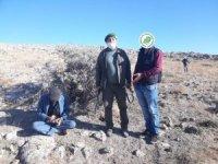 Kuş avlamak için kaçak avcı kulübesi yapan şahıslara ceza