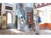 Muratpaşa'da camiler dezenfekte edildi