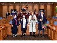 Dereceyle mezun olan öğrenciler başarı belgelerini düzenlenen törenle aldı