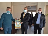 Manisa'da Covid-19 kahramanlarına üzüm dopingi