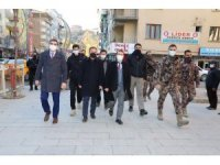 Vali Akbıyık'tan sosyal mesafe ve maske denetimi