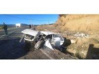 Kamyon ile otomobil kafa kafaya çarpıştı: 1 yaralı