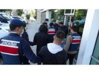 Çuvallar içinde 9 kilo esrarla yakalanan 4 kişi tutuklandı