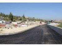 Güneykent Mezarlığında asfalt çalışması yapıldı