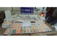 Köyceğiz'de iki eve kumar baskını: 27 kişiye 119 bin 610 lira ceza