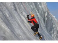 Palandöken Kayak Merkezinde buz tırmanışı