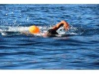 64 yaşındaki yüzücü 11 ayda 1 milyon metre kulaç attı