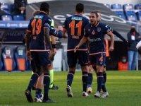 Süper Lig: Medipol Başakşehir: 2 - Denizlispor: 0 (İlk yarı)