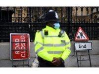 İngiltere'de son 24 saatte Covid-19 nedeni ile 479 kişi hayatını kaybetti