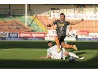 Süper Lig: Aytemiz Alanyaspor: 1 - İ.H. Konyaspor: 0 (İlk yarı)