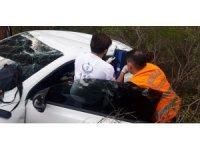 Fethiye uçuruma yuvarlanan otomobilin sürücüsünü İtfaiye  kurtardı