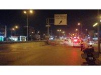 Kocaeli'de otomobil bariyere saplandı: 1 yaralı