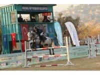 Atatürk Engel Ata Engel Atlama Yarışmasında ödüller sahiplerini buldu