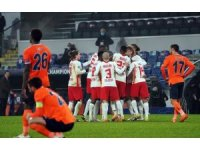 UEFA Şampiyonlar Ligi: Medipol Başakşehir: 3 - RB Leipzig: 4 (Maç sonucu)