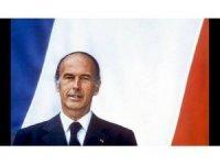 Eski Fransa Cumhurbaşkanı Valery Giscard d'Estaing koronavirüs'ten hayatını kaybetti
