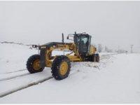 Tunceli'de karla kaplı 41 köy yolu açıldı, 15'inde çalışma sürüyor