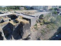 Cizre Belediyesi tarihi Hamidiye Kışlasına sahip çıkıyor