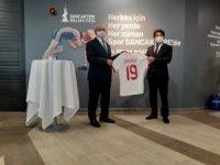 TFF, Sancaktepe Belediyesi Ampute Futbol Takımı'na malzeme desteğinde bulundu