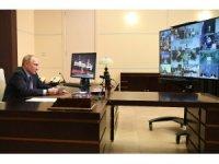 Putin'in sağlıkçılara toplu aşı emri istifaları beraberinde getirdi
