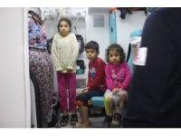Gaz sıkışması olan kombi patlayınca 7 kişilik aile korku ile kendini dışarı attı