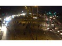 Kısıtlama öncesi 43 ilin geçiş güzergâhında trafik yoğunluğu: Sürücüler yollara akın etti
