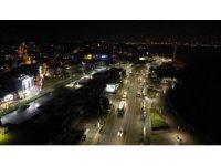 İstanbul'da 56 saatlik kısıtlama başladı: Meydanlar sessizliğe büründü