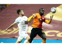 Süper Lig: Galatasaray: 1 - Hatayspor: 0 (İlk yarı)
