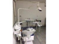 Bursa'da ruhsatsız diş kliniğine operasyon, sahte dişçi ve 3 kişi gözaltına alındı