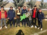 Taraftar Hamzaoğlu'nun doğum gününü kutladı