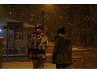 Kocaeli'yi yoğun kar yağışı etkisi altına aldı
