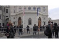 Avusturya'da Covid-19 önlemleri protesto edildi