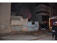 Müstakil evin tandır odasında çıkan yangın korkuttu