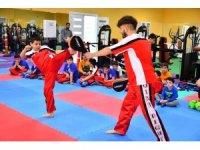 Yeşilyurt Belediyespor kick-boks takımı gözünü zirveye dikti