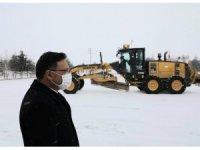 Vali Çiçek ulaşımın kardan dolayı aksamaması için çalışmaları yerinde inceledi