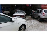 Sinop'ta lastikçilerde kış lastiği kuyruğu