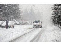 Ahlat'ta 18 köy yolu ulaşıma kapandı