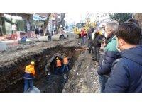 Trabzon'da alt yapı çalışması sırasında bulunan su kemerini andıran yapıya inceleme