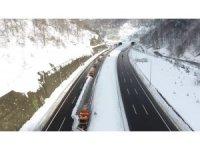Bolu Dağı'nda karla mücadele havadan görüntülendi