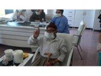 Aksaray'da huzurevi sakinlerine aşı vuruldu