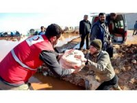 İdlib'deki selzedelere Türk Kızılay yardımı