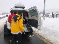 Kar nedeniyle diyalize gidemeyen hastaya UMKE  ulaştı