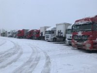Iğdır-Doğubayazıt yolu ağır tonajlı araç trafiğine kapatıldı