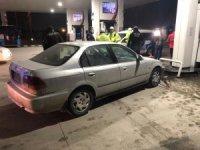 """Benzinlikte kaza yapan alkollü sürücüden ilginç savunma: """"Araba kendi çalıştı, oraya gitti vurdu"""""""